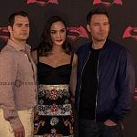 Ben Affleck , Henry Cavill y Gal Gadot,  actores de la nueva pelicula de Batman vs Superman en la premier de la Ciudada de México 1