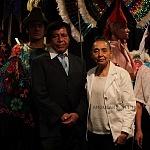 fundadora y directora general de la agrupación Nieves Paniagua de la Compañía Nacional de Danza Folklórica  (sueter blanco)