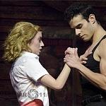 Ximena Nava como Baby y Diego de Tovar como Johnny en Dirty Dancing (2)