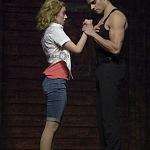 Ximena Nava como Baby y Diego de Tovar como Johnny en Dirty Dancing en las 100 representaciones 1
