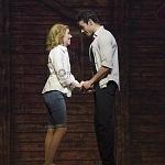 Ximena Nava como Baby y Diego de Tovar como Johnny en Dirty Dancing  en las 100 representaciones