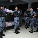 Preparación del agrupamiento femenil de la fuerza áerea en los Dormitorios Previo al Desfile militar 2016