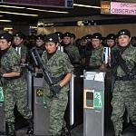 agrupamiento femenil de fuerzas especiales al Ingreso del metro CDMX, Desfile 2016