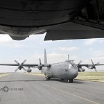 Vista panorámica desde la compuerta de la Aeronave Hércules C 130