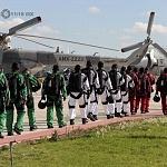 paracaidistas previo al desfile militar en el 206 aniversario de la independencia de  México