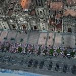 Vista aérea del desfile militar del 206 aniversario de la independencia de México