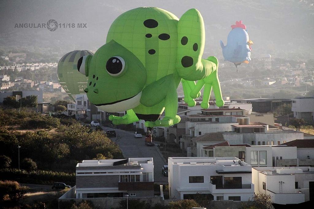 Vista aérea de un globo en forma de rana durante el Festival Internacional del Globo 2016 en León GTO