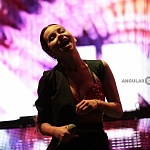 La cantante Rumana  Inna se presento en concierto en el segundo día del FIG 2016 con un lleno total