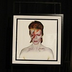 Presentan la exposición  DUFFY/BOWIE Integrada por 42 fotografías, tomadas durante los ocho años en que el también ingles Brian Duffy colaboro con Bowie.