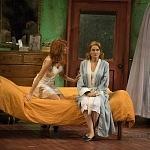 estreno de la obra Un tranvía llamado deseo en el Teatro Helénico (8)