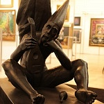 Autor Rafael Coronel obra Reposo escultura en bronce 1