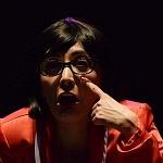 Adriana Cardeña directora y actriz en la obra Cómo ser feliz en 3 segundos (2)