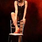 Adriana Cardeña directora y actriz en la obra Cómo ser feliz en 3 segundos (6)