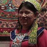 artesana peruana en la Exposición Shipibo konibo Moda identidad y cultura