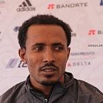 El Etíope Fikadu Kebede Guirma ganador del maraton de la ciudad de México 2017
