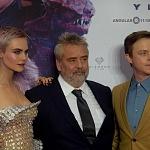 El director Luc Besson, Cara Delevingne, Dane DeHaan