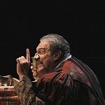 Puesta en escena La desobediencia de Marte con el actor Joaquín Cosío