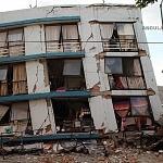 Derrumbe del edificio Saratoga 715 colonia portales edificio de 5 pisos con 16 viviendas convirtiéndose en escombros los dos primeros pisos a minutos del sismo (1)
