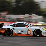 GULF RACING PORSCHE 911 RSR AUTO NUMERO 86 (1)