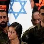 brigadistas Israelis durante la ceremonia de despedida