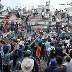 voluntarios civiles retirando escombro durante el sismo del 19 de septiembre 2017 en la ciudad de México (12)