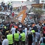 voluntarios civiles retirando escombro durante el sismo del 19 de septiembre 2017 en la ciudad de México