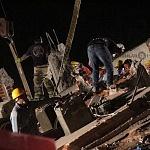 voluntarios civiles retirando escombro durante el sismo del 19 de septiembre 2017 en la ciudad de México (19)