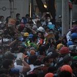 voluntarios civiles retirando escombro durante el sismo del 19 de septiembre 2017 en la ciudad de México (9)