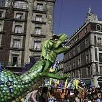 Alebrije nombrado Alojodino Rex en la onceava edición del desfile de alebrijes monumentales de la ciudad de México