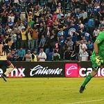 Cruz Azul tropieza con el América 1 por 3 en la jornada trece del torneo apertura 2017 (5)