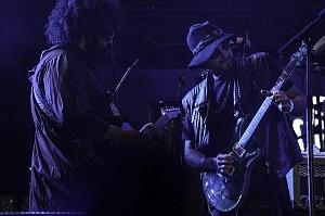 El dúo argentino Illya Kuryaki and the Valderramas, hizo vibrar el Zócalo Capitalino en la semana de las juventudes 2017