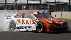 Abraham Calderón piloto del auto 2 de la escudería ARRIS Telcel se corona campeón de la NASCAR México 2017 (1)