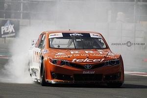Abraham Calderón piloto del auto 2 de la escudería ARRIS Telcel se corona campeón de la NASCAR México 2017