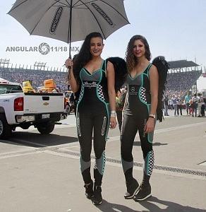 Edecanas en la NASCAR Peak México en la Gran final de la temporada 2017