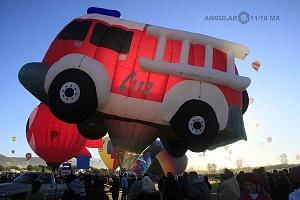 Festival Internacional del Globo de León 2017 despegue de unj globo aereostatico en forma de camion