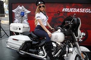 Harley Days 2017 exhibición y venta de motocicletas Harley Davidson edecanes dos