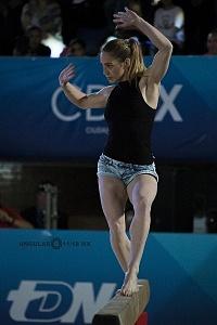 Gala Gimnastica USANA 2017 barra de equilibrio Ayelen Tarabini.jpg