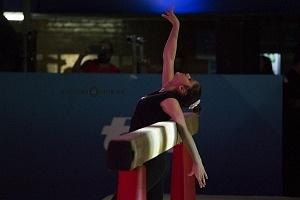 gala gimnastica USANA 2017 barra de equilibrio Dalia al  SaltY