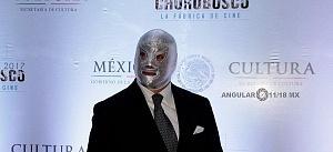 Estudios Churubusco celebra sus 72 años con magna exposición luchador el Santo Jr p