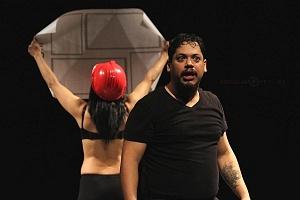 M H espectaculo CLOWN con los actores Abril Mallet y Juan Carlos Medellín 3