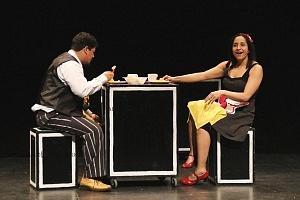 M H espectaculo CLOWN con los actores Abril Mallet y Juan Carlos Medellín