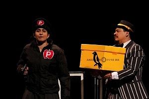 M H espectaculo CLOWN con los actores Abril Mallet y Juan Carlos Medellín 6