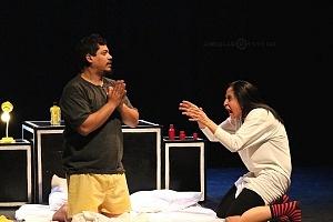 M H espectaculo CLOWN con los actores Abril Mallet y Juan Carlos Medellín 8