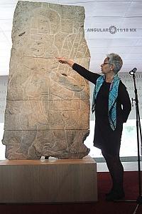 Presentación del bajorrelieve llamado Xoc perteneciente a la cultura Olmeca en el Museo Nacional de Antropología e Historia 2