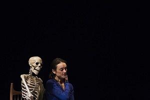 """Sophié Alexander en la Cuarta Edición del Festival """"24 Hours Play México"""" puesta en escena 209 huesos (1)"""