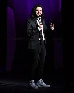 el comediante de stand up Fran Hevia en el show de comedia de Pipa y Guante 3