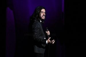 el comediante de stand up Fran Hevia en el show de comedia de Pipa y Guante
