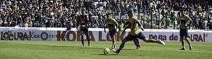 Gol de Nicolas Castillo de penal ante el Atlas en la jornada 2 del torneo Clausura 2018