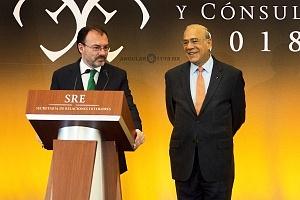 Doctor Luis Videgara y Caso y José Ángel Gurría ex Secretario de Relaciones Exteriores de México en la XXIX Reunión de Embajadores y Cónsules 2018 (1)