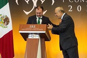 Doctor Luis Videgara y Caso yJosé Ángel Gurría ex Secretario de Relaciones Exteriores de México en la XXIX Reunión de Embajadores y Cónsules 2018 (1)